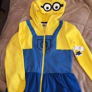 Other - NWT Minions sweatshirt